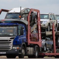 Перевозка автомобиля на автовозе