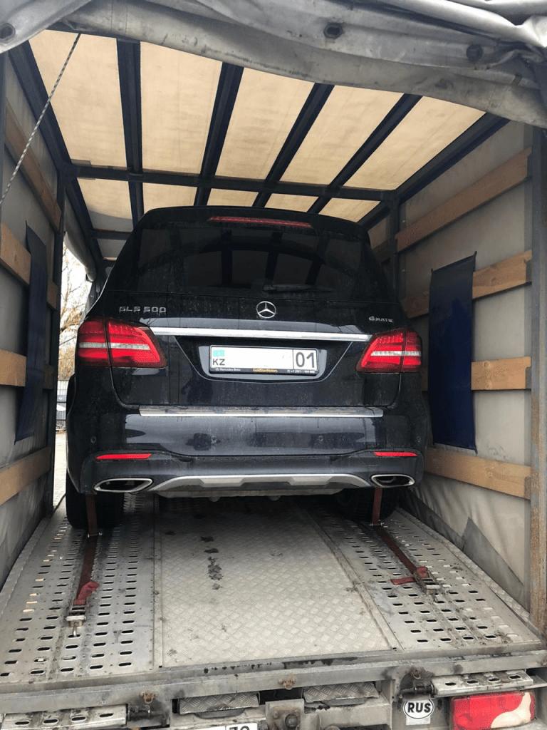 Перевозка крытым автовозом в Казахстан
